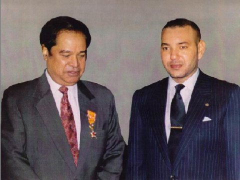 Sayyid Ahmed Amiruddin's mother's brother, Syed Vicaruddin with the HRH King Mohammed VI of Morocco