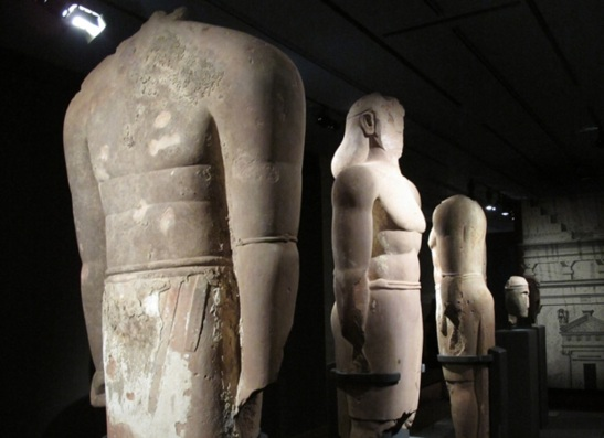 Statues of the Lihyanite kings of Arabia.  The ancient Lihyanites were the sons of Lihyan ibn Hothail, the rulers of northwestern Hijaz before Quraysh, and controlled the well of Zam Zam along with Quraysh and Khoza'ah