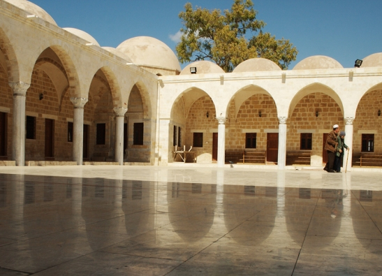 The Sayed al-Hashim Mosque ( Masjid as-Sayed Hāshim) іs оne оf the largest аnd oldest mosques іn Gaza, located іn the ad-Darrāj Quarter оf the Old City, off оf al-Wehda Street. The tomb оf Hashim ibn 'Abd al-Manaf, the Prophet Muhammad's grandfather whо died іn Gaza, іs located under the dome оf the mosque.