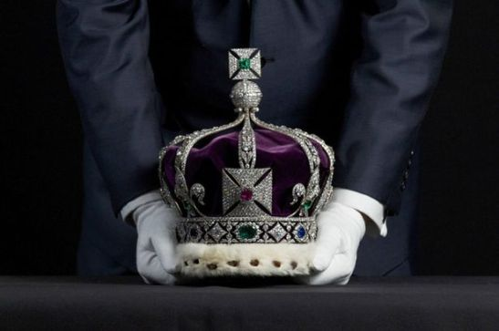 The Imperial State Crown of India containing over 6000 diamonds-775166